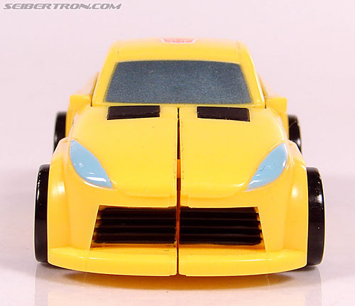 Transformers Universe - Classics 2.0 Bumblebee (Image #20 of 69)