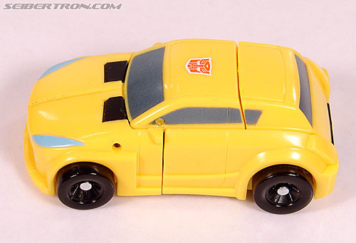 Transformers Universe - Classics 2.0 Bumblebee (Image #27 of 69)