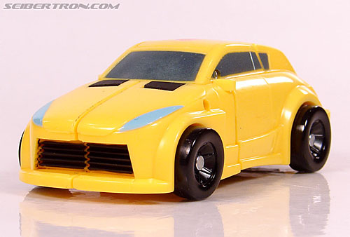 Transformers Universe - Classics 2.0 Bumblebee (Image #29 of 69)