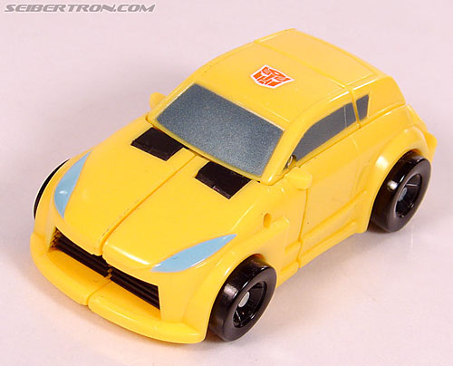 Transformers Universe - Classics 2.0 Bumblebee (Image #30 of 69)