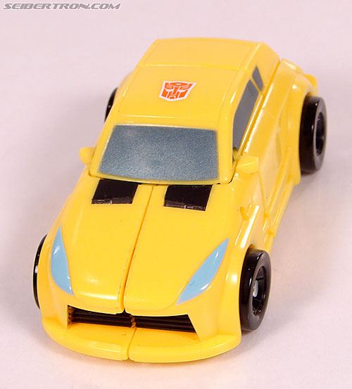 Transformers Universe - Classics 2.0 Bumblebee (Image #31 of 69)
