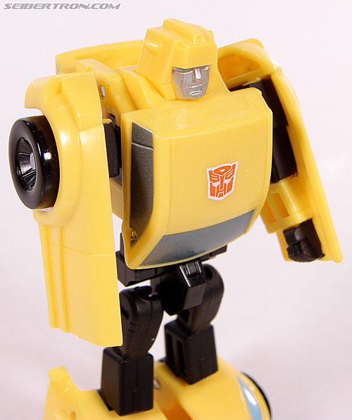 Transformers Universe - Classics 2.0 Bumblebee (Image #38 of 69)