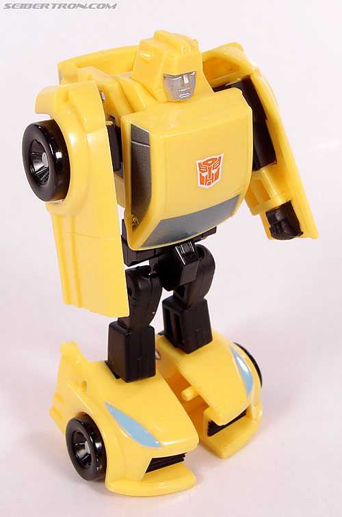 Transformers Universe - Classics 2.0 Bumblebee (Image #40 of 69)