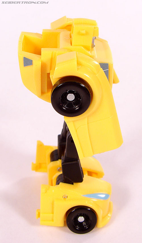 Transformers Universe - Classics 2.0 Bumblebee (Image #41 of 69)
