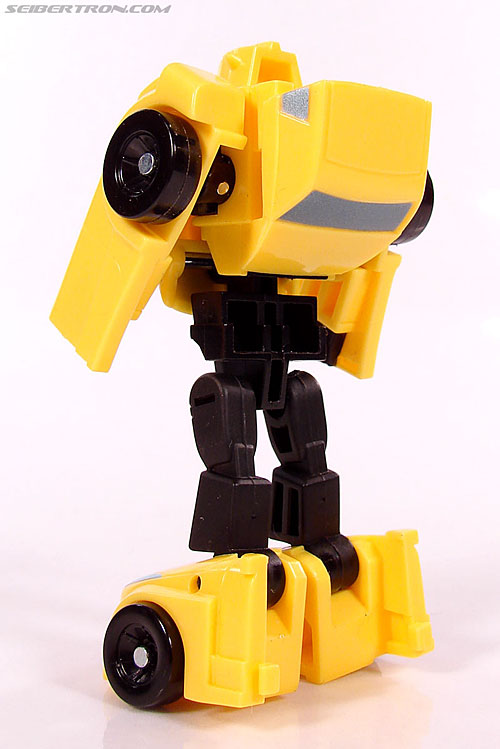Transformers Universe - Classics 2.0 Bumblebee (Image #44 of 69)