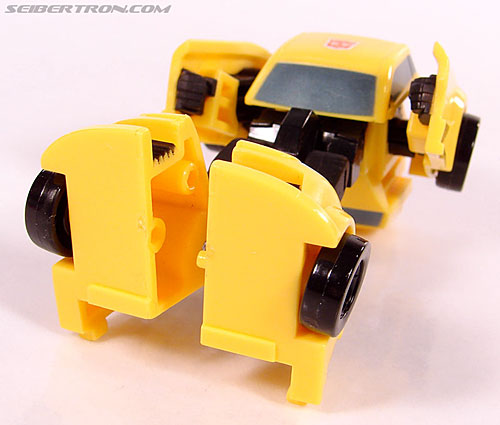Transformers Universe - Classics 2.0 Bumblebee (Image #51 of 69)
