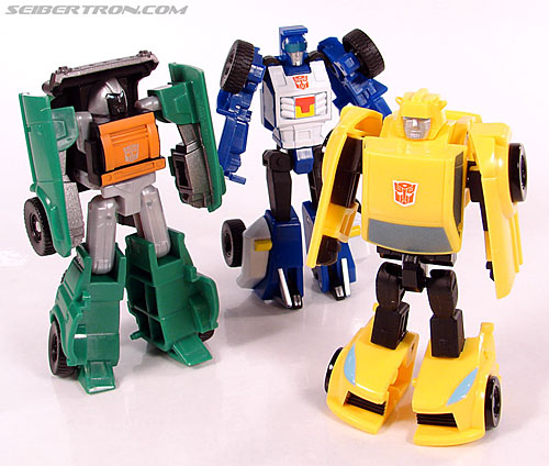 Transformers Universe - Classics 2.0 Bumblebee (Image #57 of 69)