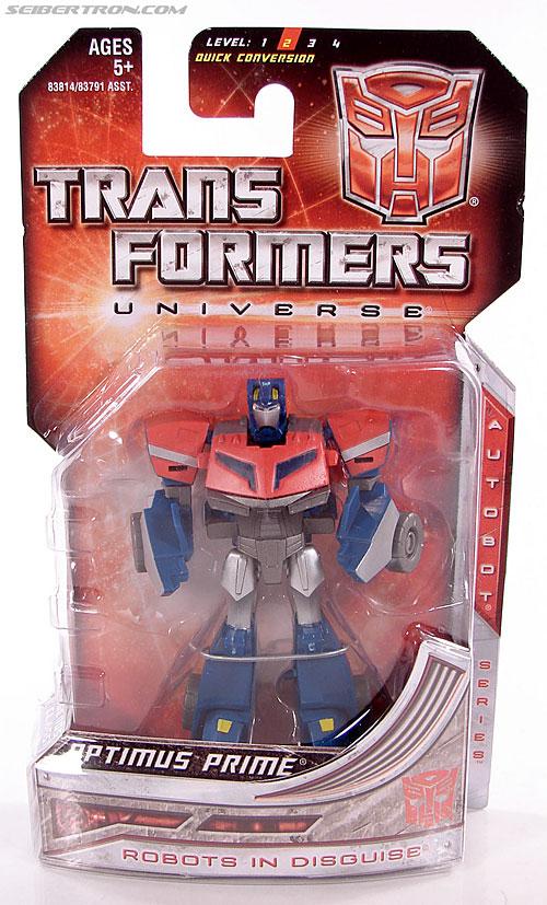 Transformers Universe - Classics 2.0 Optimus Prime (Image #1 of 53)