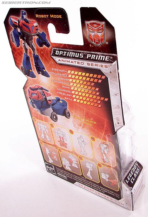 Transformers Universe - Classics 2.0 Optimus Prime (Image #3 of 53)