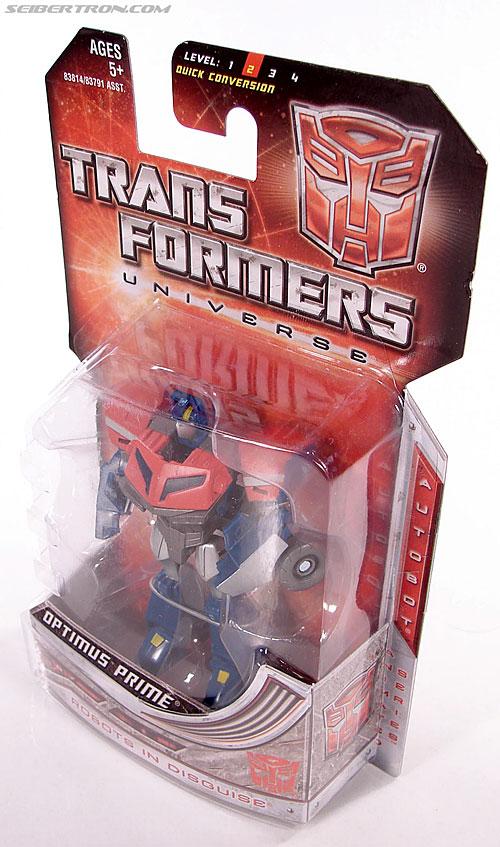 Transformers Universe - Classics 2.0 Optimus Prime (Image #7 of 53)