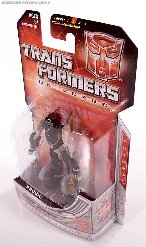 Transformers Universe - Classics 2.0 Prowl (Image #8 of 54)