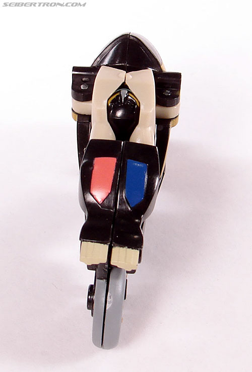 Transformers Universe - Classics 2.0 Prowl (Image #16 of 54)