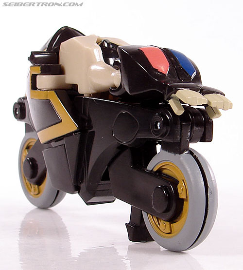Transformers Universe - Classics 2.0 Prowl (Image #18 of 54)