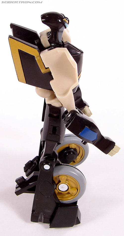 Transformers Universe - Classics 2.0 Prowl (Image #33 of 54)