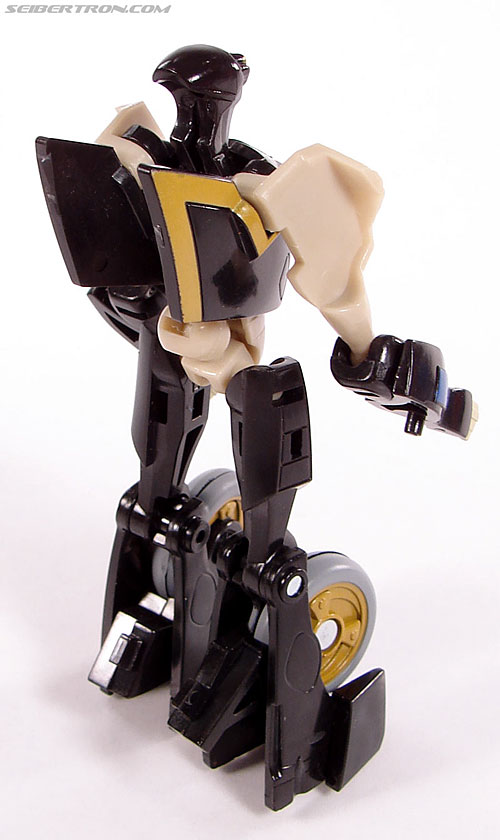 Transformers Universe - Classics 2.0 Prowl (Image #34 of 54)
