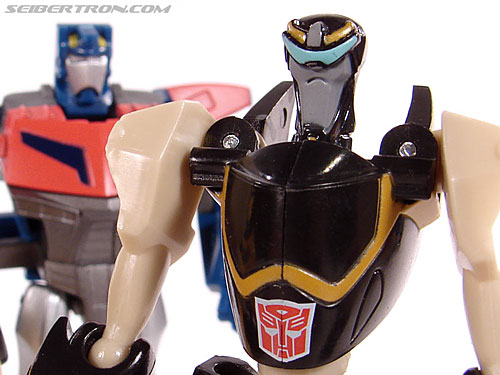 Transformers Universe - Classics 2.0 Prowl (Image #48 of 54)