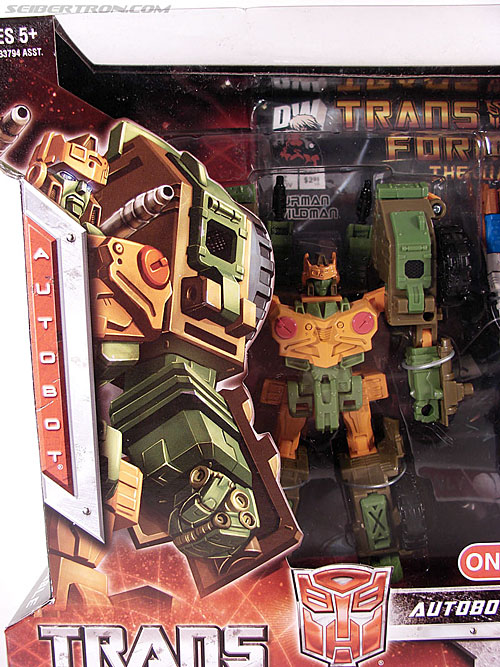Transformers Universe - Classics 2.0 Roadbuster (Image #2 of 89)