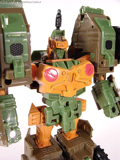 Transformers Universe - Classics 2.0 Roadbuster (Image #38 of 89)