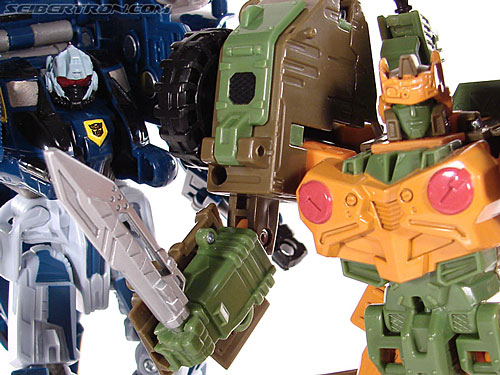 Transformers Universe - Classics 2.0 Roadbuster (Image #88 of 89)