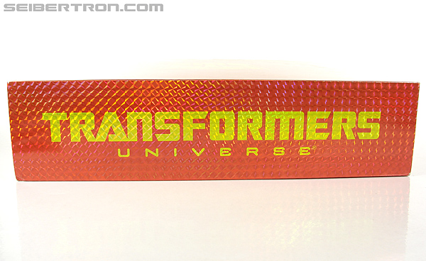 Transformers Universe - Classics 2.0 Blaster (Image #16 of 210)