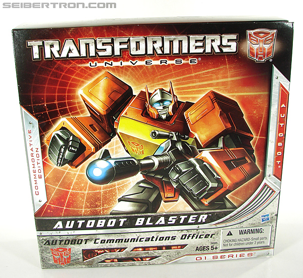 Transformers Universe - Classics 2.0 Blaster (Image #19 of 210)