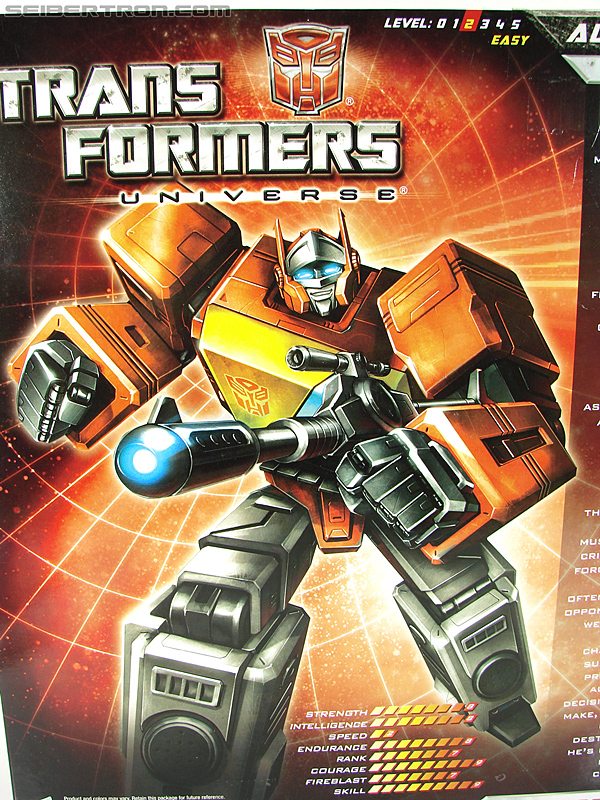 Transformers Universe - Classics 2.0 Blaster (Image #27 of 210)