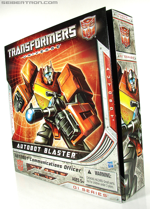 Transformers Universe - Classics 2.0 Blaster (Image #32 of 210)