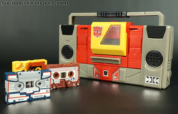 Transformers Universe - Classics 2.0 Eject (Image #26 of 104)