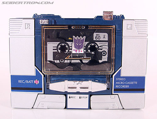 Transformers Universe - Classics 2.0 Ravage (Reissue) (Image #1 of 52)