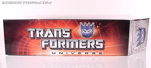 Transformers Universe - Classics 2.0 Soundwave (Reissue) (Image #21 of 114)