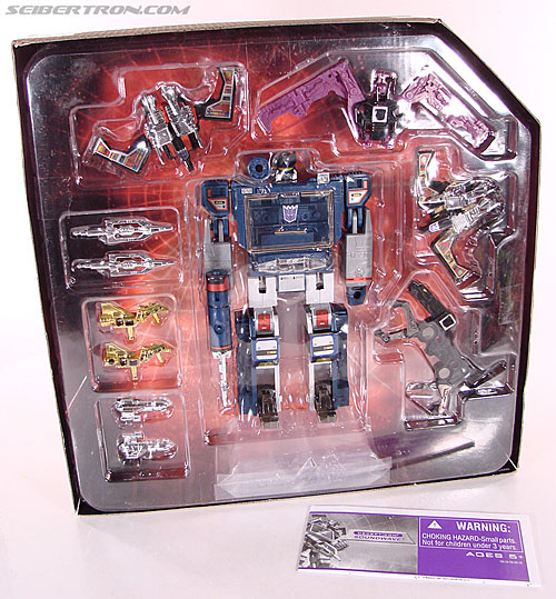 Transformers Universe - Classics 2.0 Soundwave (Reissue) (Image #24 of 114)