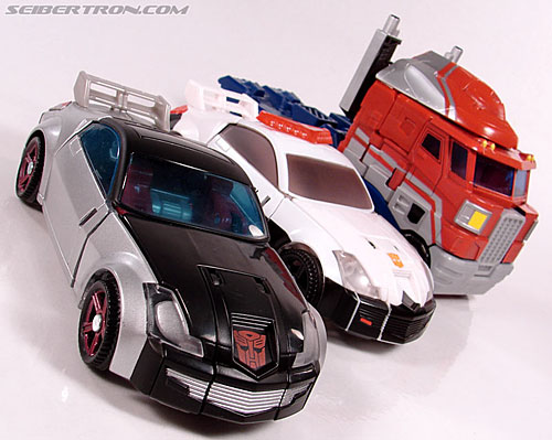 Transformers Universe - Classics 2.0 Silverstreak (Image #38 of 111)