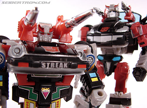 Transformers Universe - Classics 2.0 Silverstreak (Image #110 of 111)