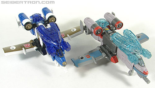 Transformers Universe - Classics 2.0 Skydive (Image #40 of 118)