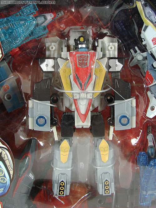 Transformers Universe - Classics 2.0 Superion (Image #2 of 139)