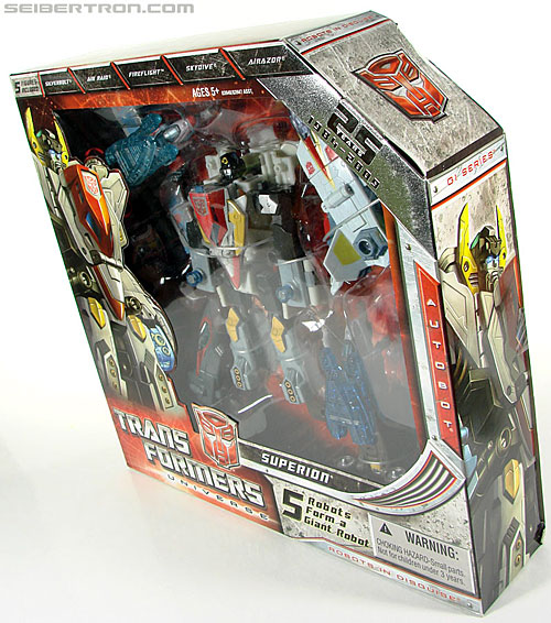 Transformers Universe - Classics 2.0 Superion (Image #27 of 139)