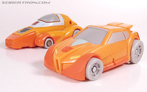 Transformers Universe - Classics 2.0 Wheelie (Image #29 of 75)