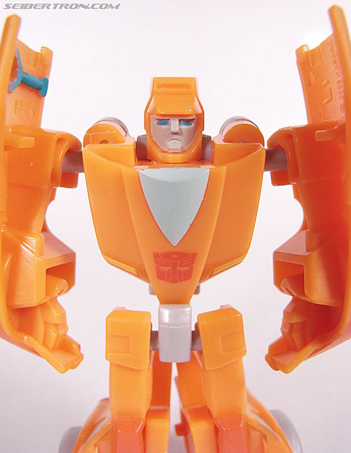 Transformers Universe - Classics 2.0 Wheelie (Image #36 of 75)