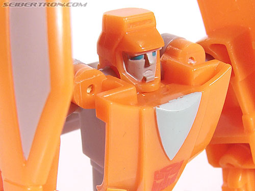 Transformers Universe - Classics 2.0 Wheelie (Image #40 of 75)