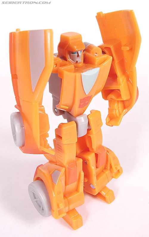 Transformers Universe - Classics 2.0 Wheelie (Image #41 of 75)