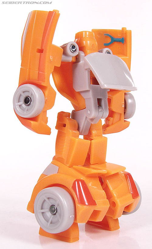 Transformers Universe - Classics 2.0 Wheelie (Image #45 of 75)