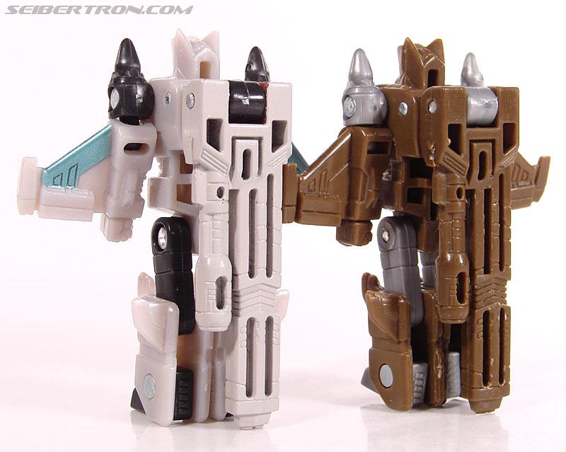 Transformers Universe - Classics 2.0 Safeguard (Image #59 of 72)