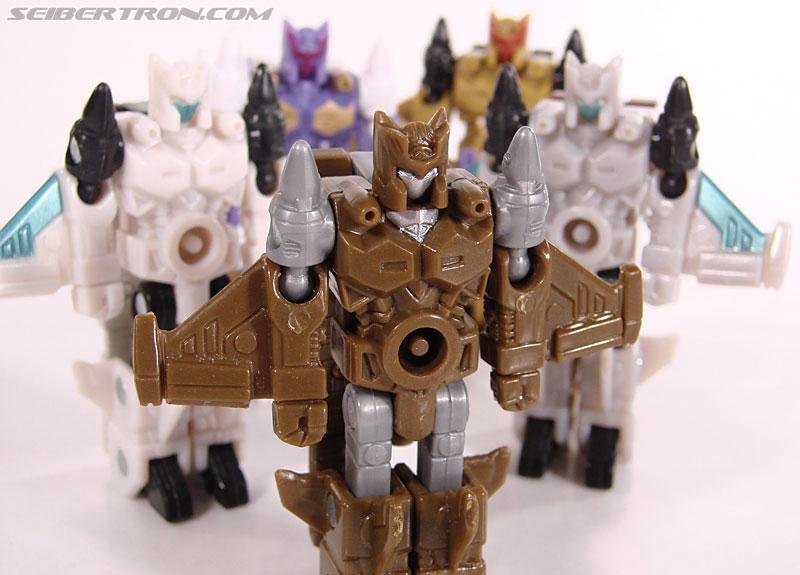 Transformers Universe - Classics 2.0 Safeguard (Image #66 of 72)