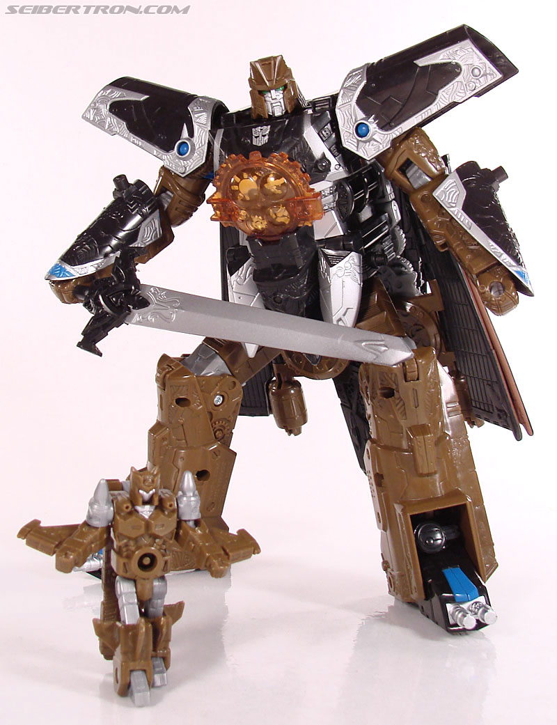 Transformers Universe - Classics 2.0 Safeguard (Image #71 of 72)