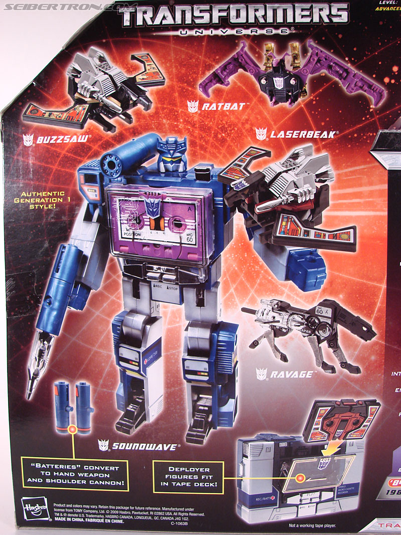 Transformers Universe - Classics 2.0 Soundwave (Reissue) (Image #13 of 114)