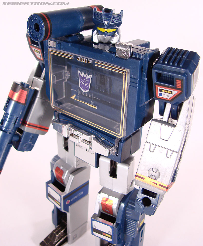 Transformers Universe - Classics 2.0 Soundwave (Reissue) (Image #76 of 114)
