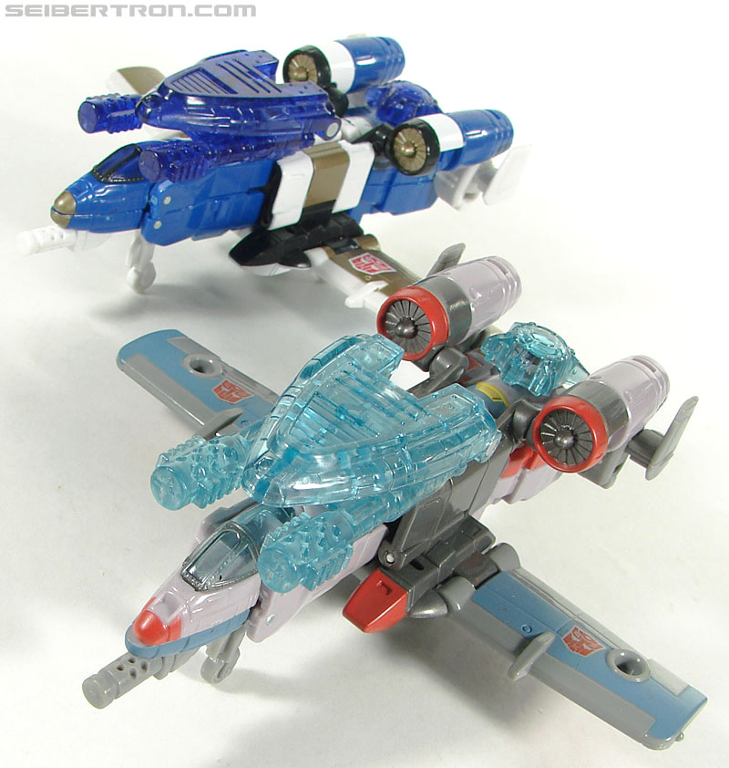 Transformers Universe - Classics 2.0 Skydive (Image #43 of 118)