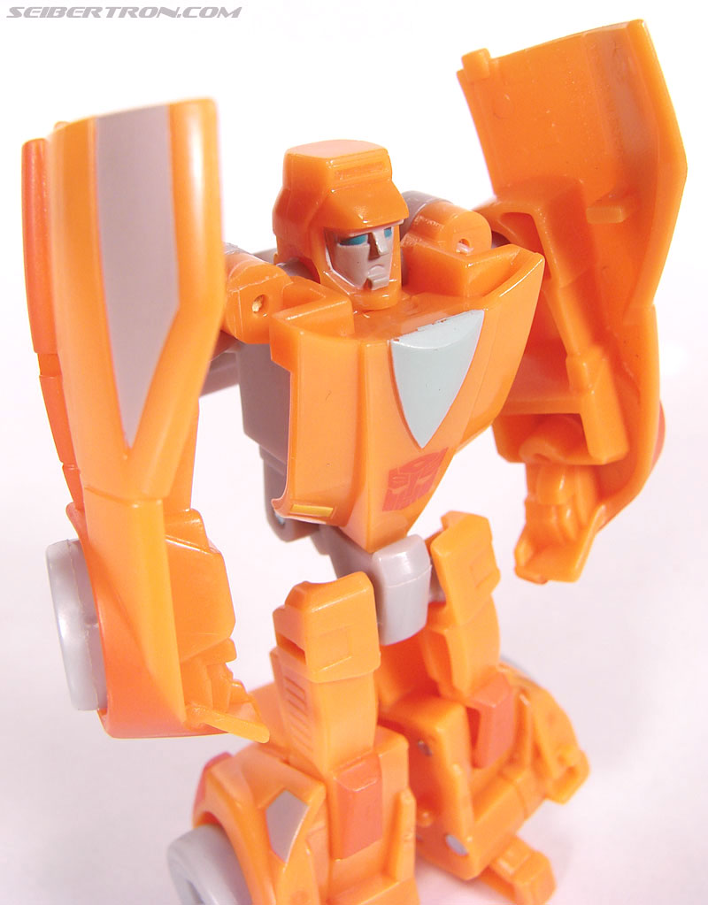 Transformers Universe - Classics 2.0 Wheelie (Image #39 of 75)