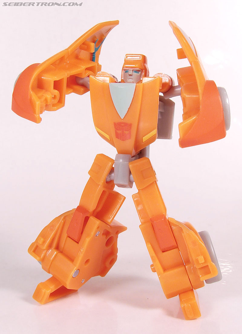 Transformers Universe - Classics 2.0 Wheelie (Image #57 of 75)