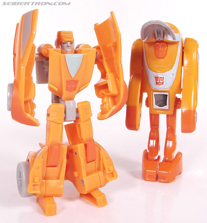 Transformers Universe - Classics 2.0 Wheelie (Image #69 of 75)